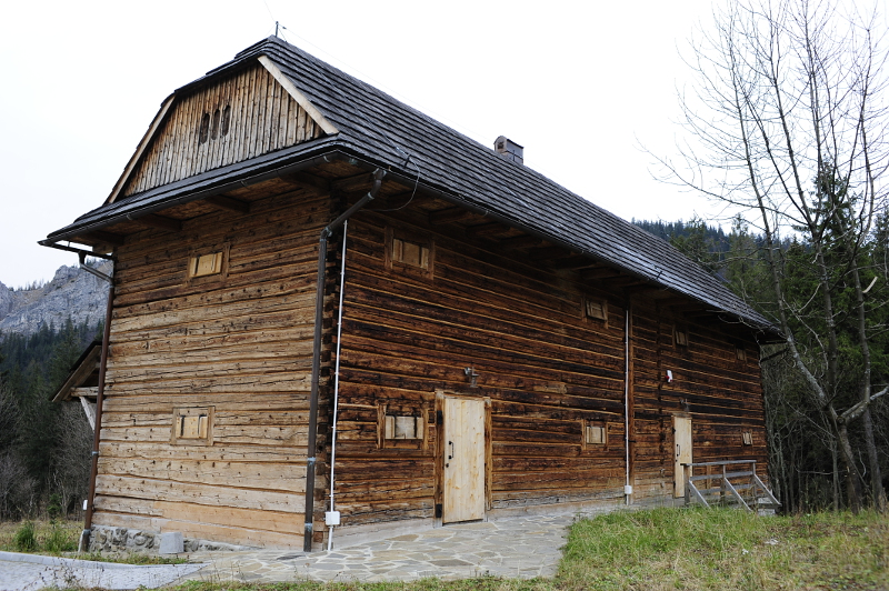 Spichlerz dworski w Kuźnicach. Fot. D. Moździerz, 2008