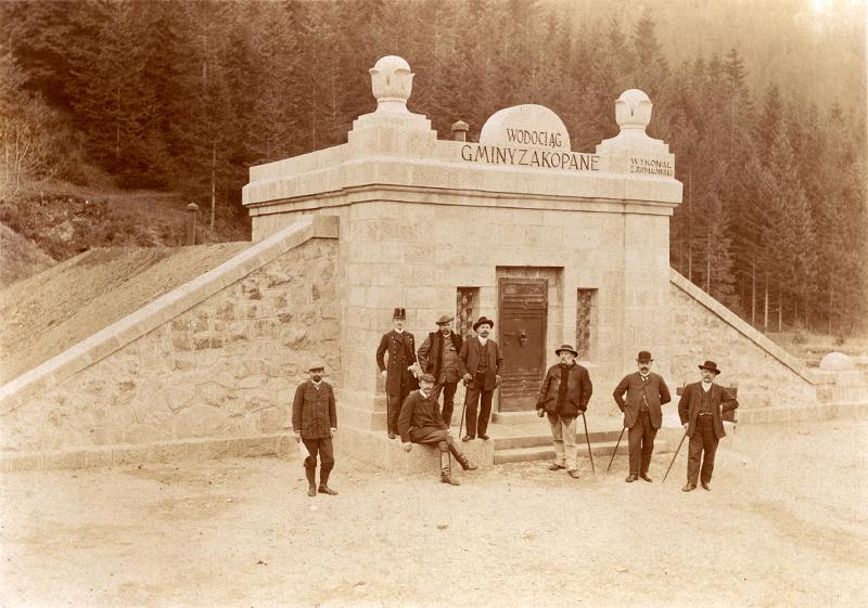 Zbiornik wody w Kuźnicach – otwarcie wodociągu. Fot. 21 X 1908. MT ZA